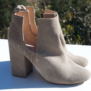 Steve Madden Nomad Gray Suede Ankle Bootie 6.5